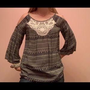 open shoulder shirt